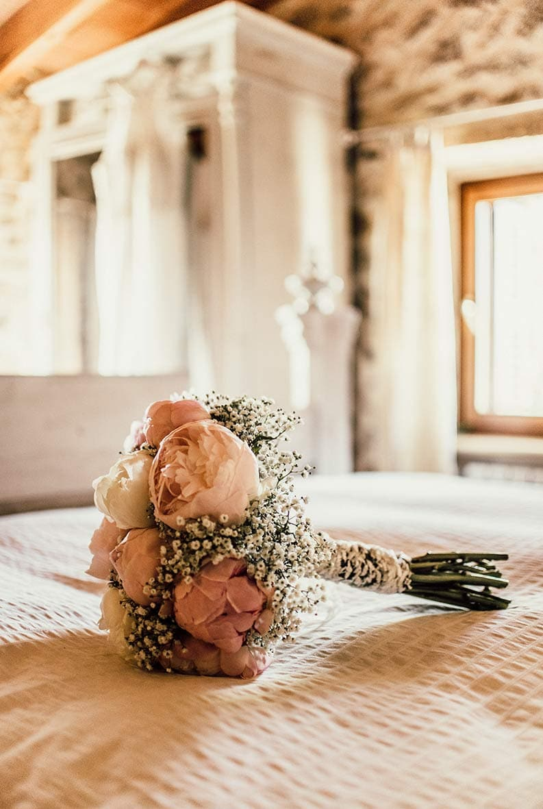 wedding photographer in Mallorca bouquet
