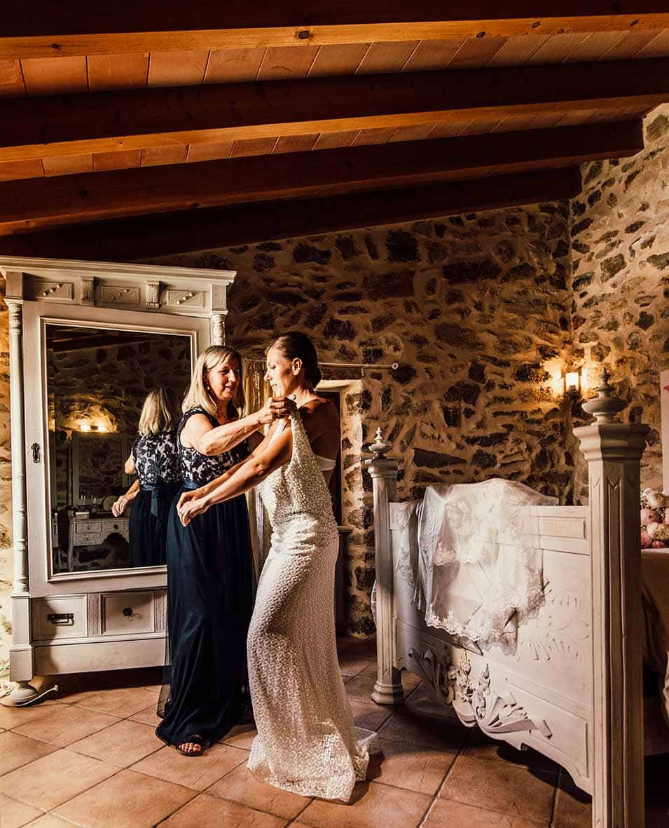 wedding photographer in Mallorca mother
