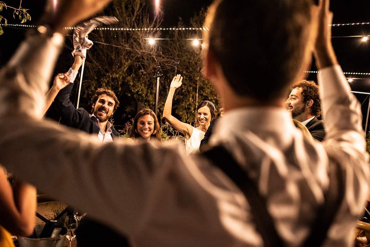 wedding photographer mallorca hands up