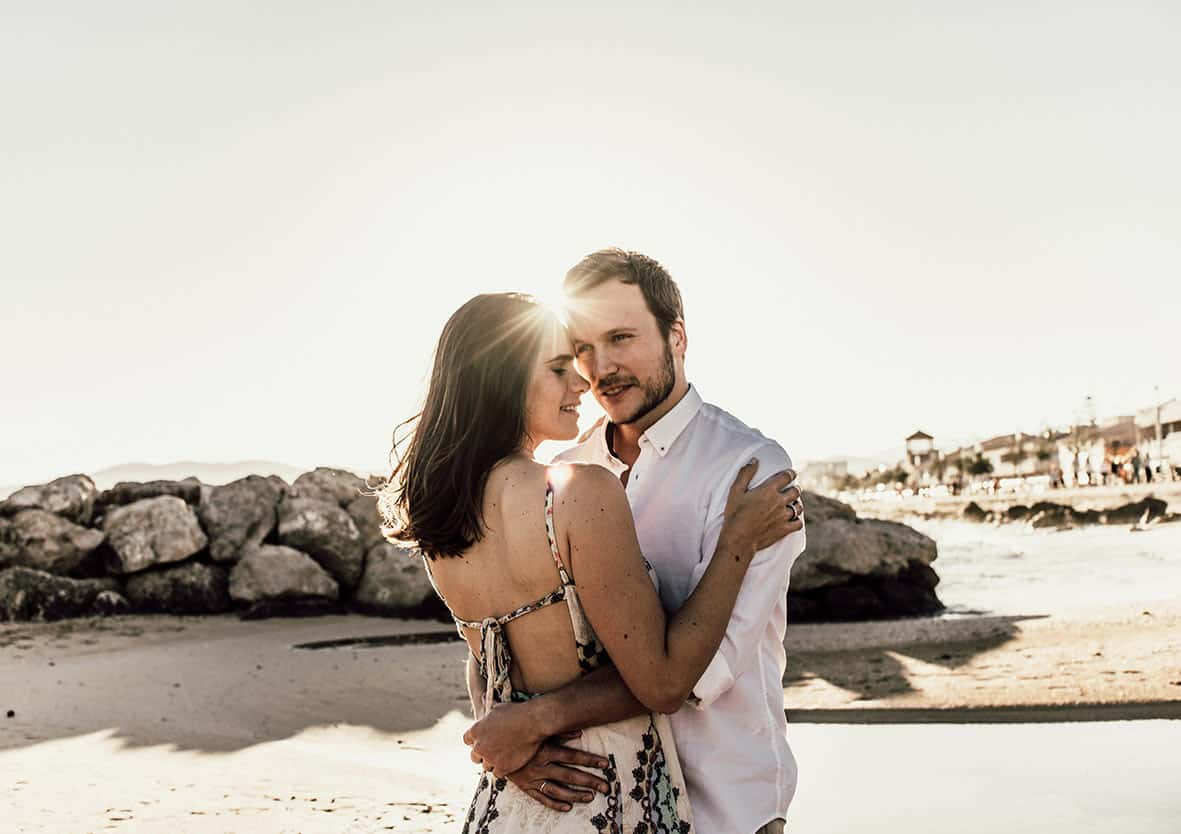 couple love destination wedding mallorca