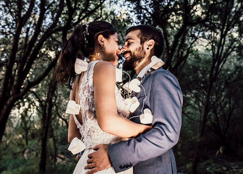 postwedding photographer mallorca lights