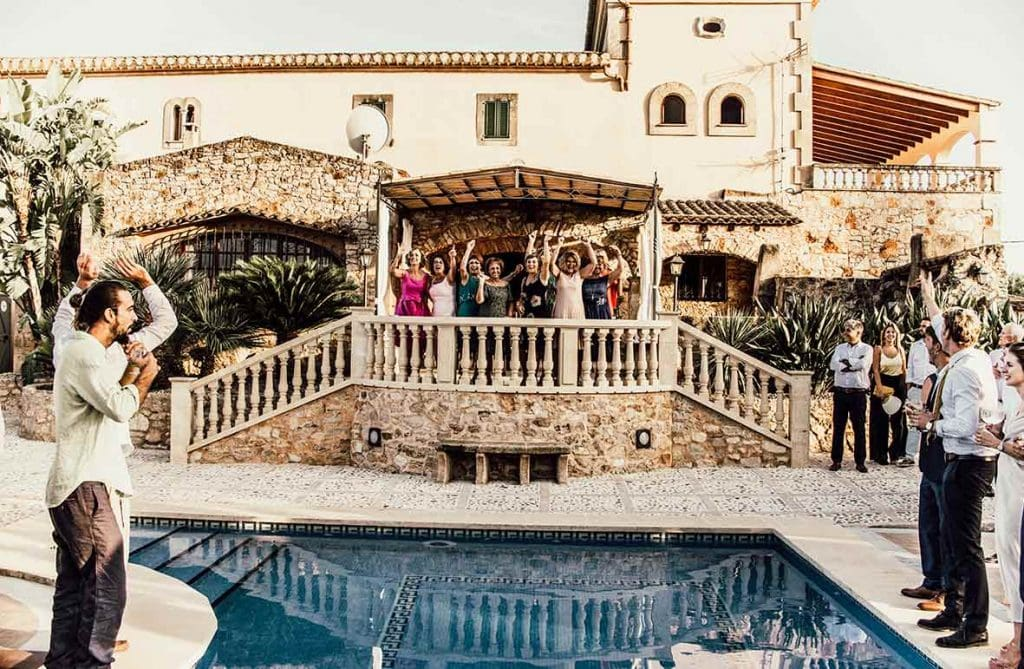 natural wedding photographer house