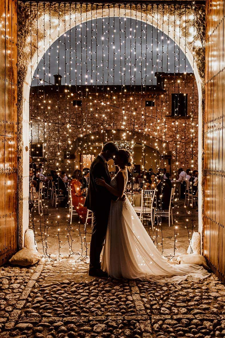 wedding photographer tuscany lights