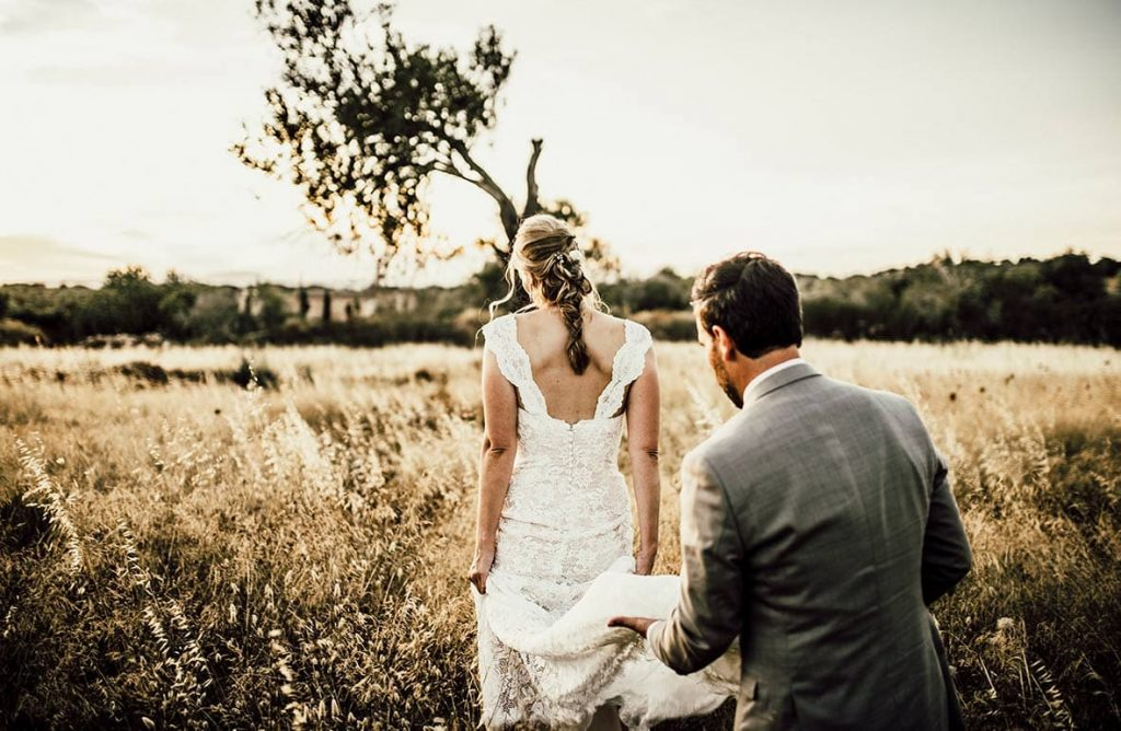 wedding photographer tuscany fields