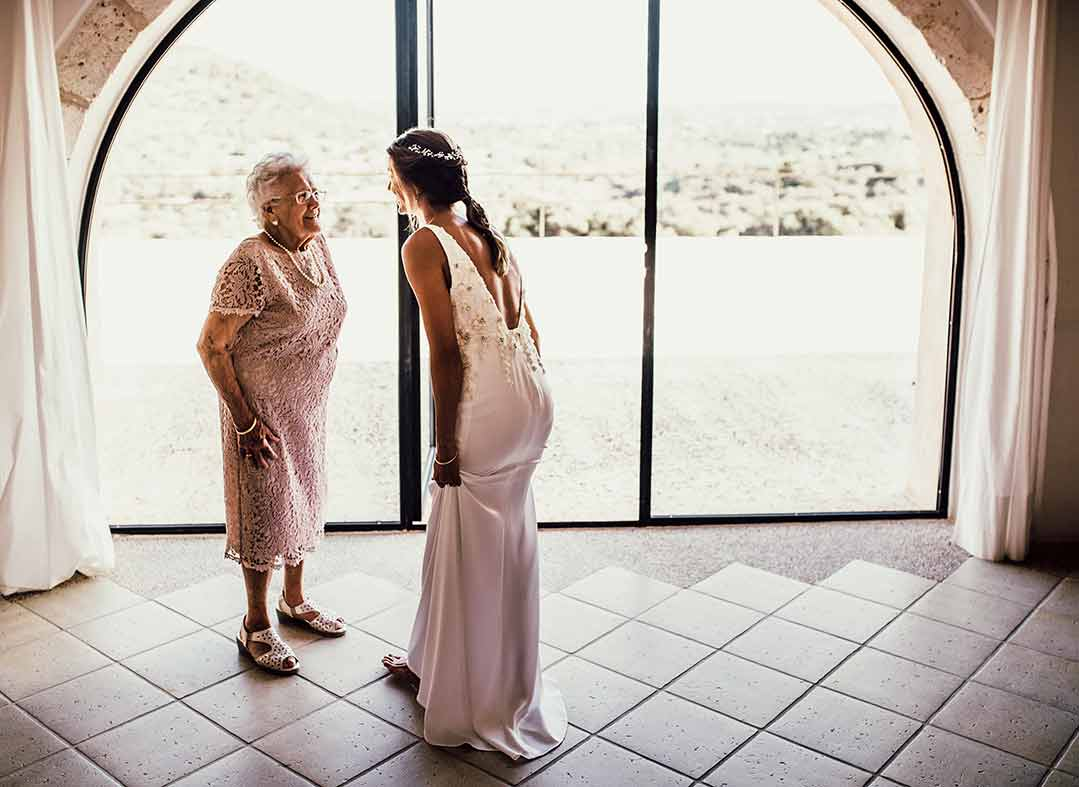 """ALT""photographer in Mallorca grandma"