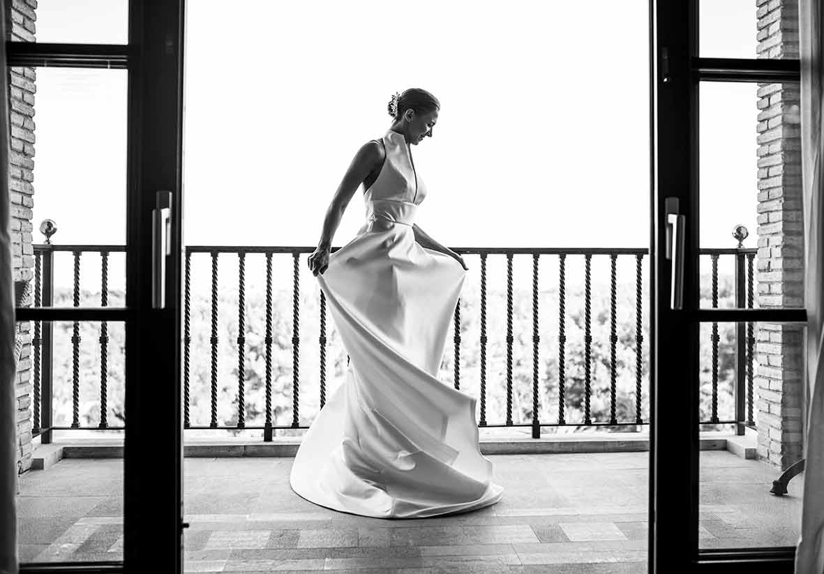 wedding in castillo hotel son vida dress