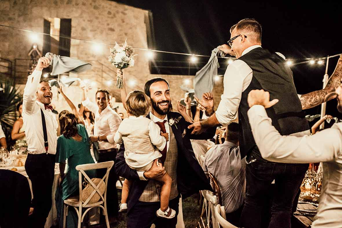 """ALT""wedding photographers in Mallorca happy"