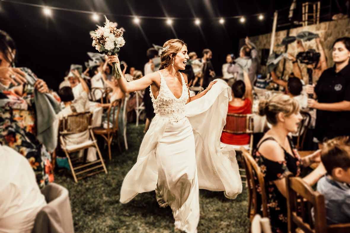 """ALT"" photographer in Mallorca bride dancing"