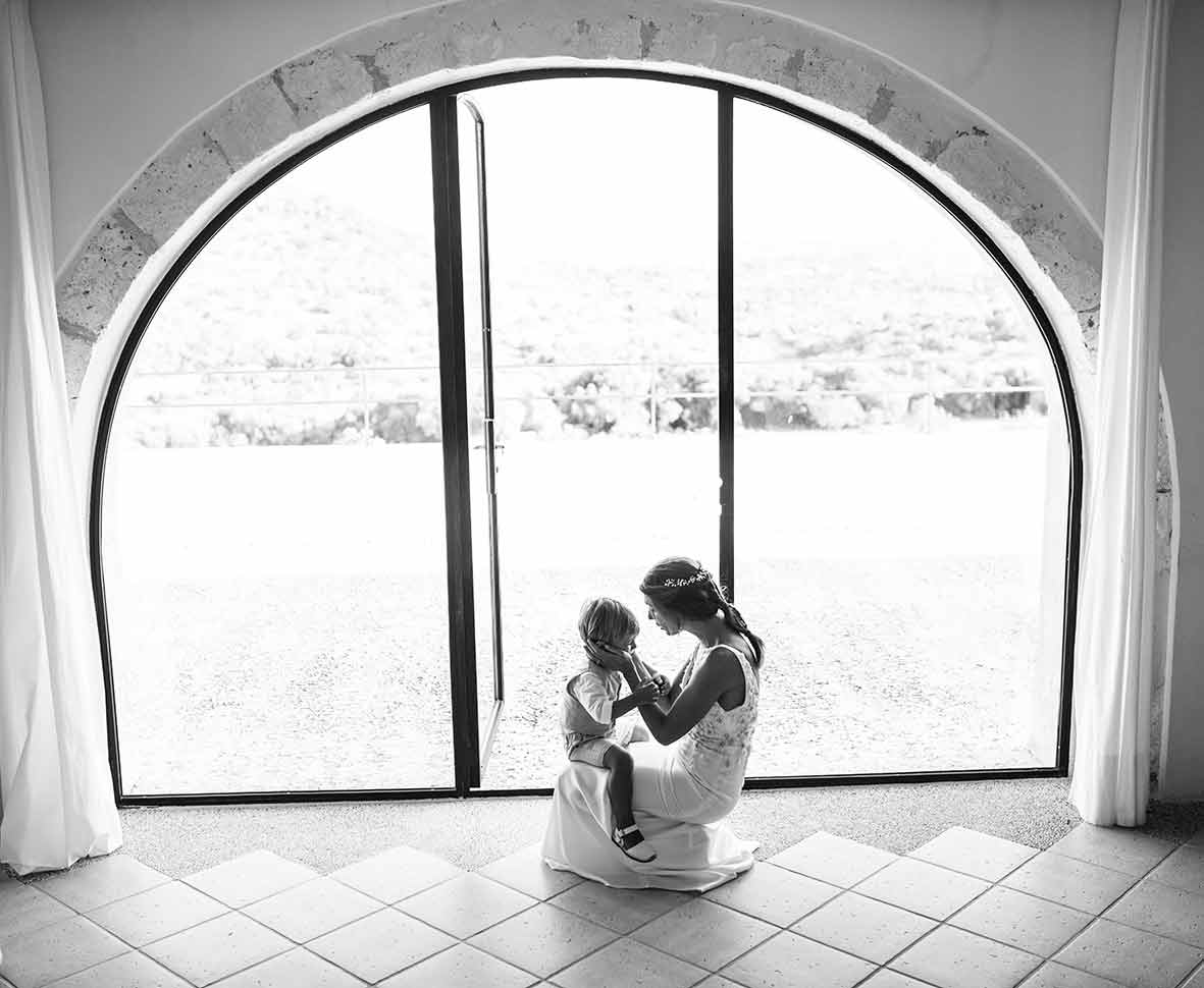 wedding photographers in Mallorca moment