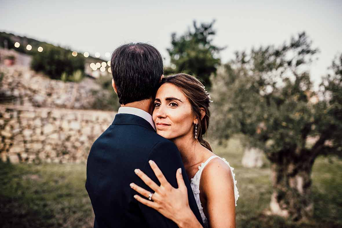 """ALT""wedding photographers in Mallorca shoulder"