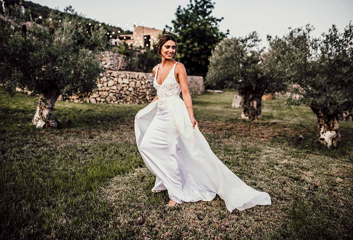 """ALT""wedding photographers in Mallorca dress"