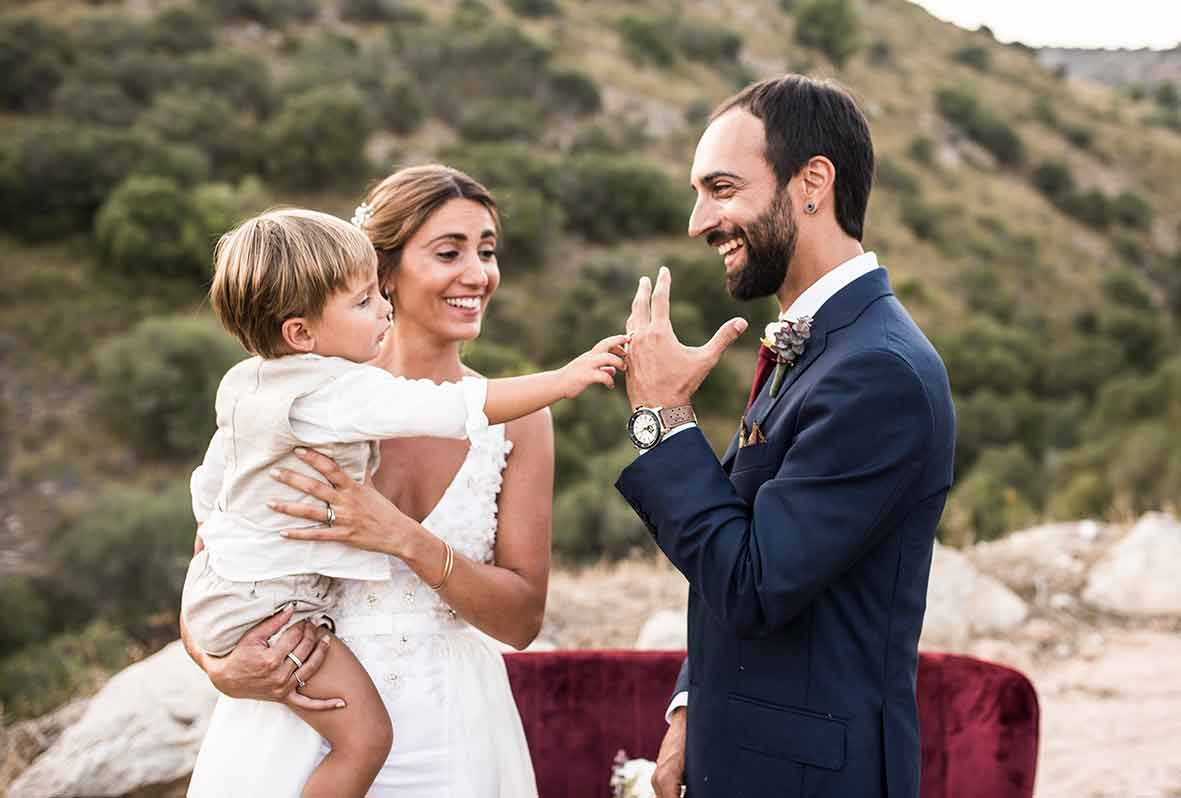 """ALT""wedding photographers in Mallorca ring moment"
