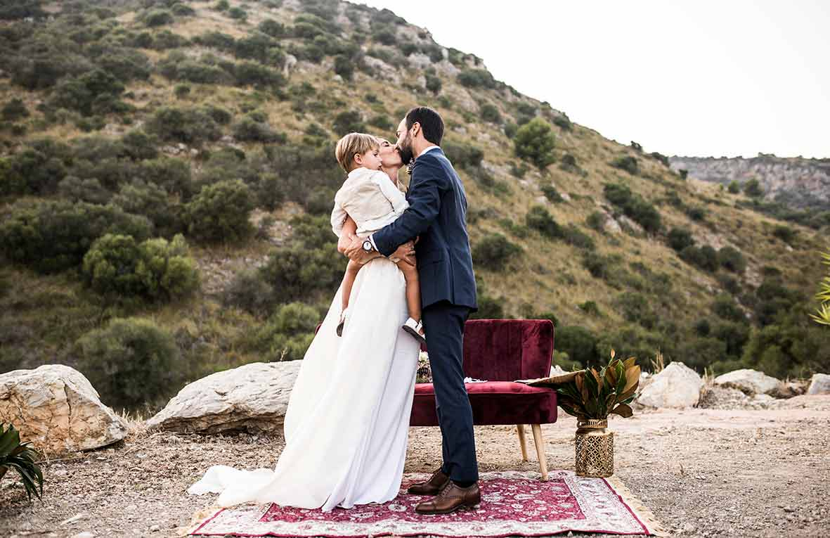 """ALT""wedding photographers in Mallorca kiss moment"
