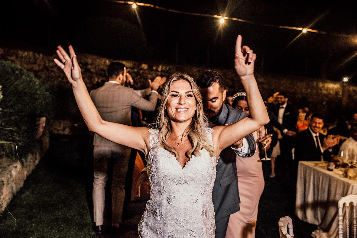 """ALT""photographer in mallorca son burguet bride dancing"