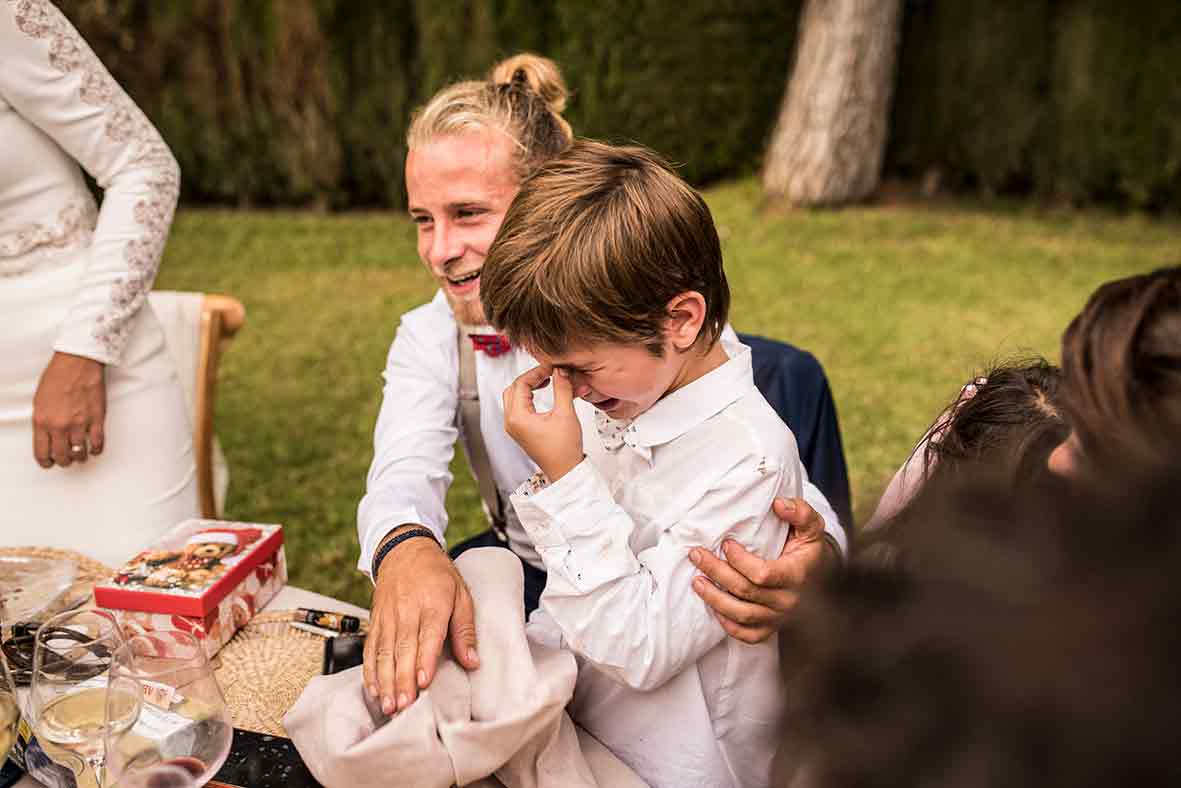 """ALT""wedding finca comassema kid crying"