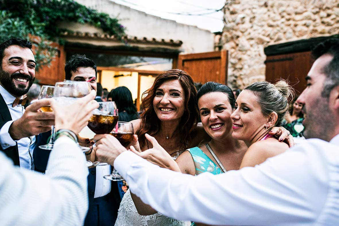 """ALT""wedding reportage in mallorca cheers"