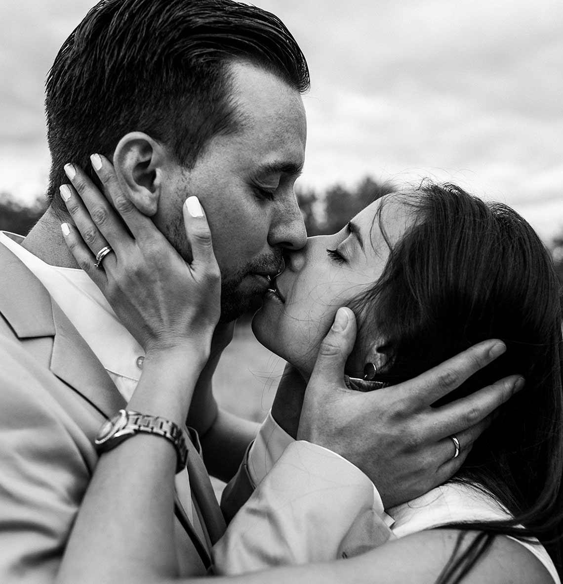 """ALT""destination weddings in mallorca kiss"""