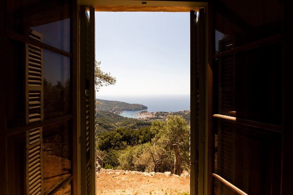 """ALT""architectural and interior design photographer in mallorca window"""