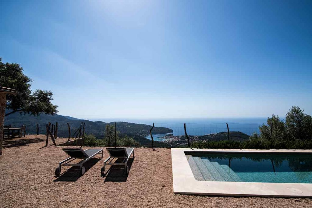 """ALT""architectural and interior design photographer in mallorca poolside"""