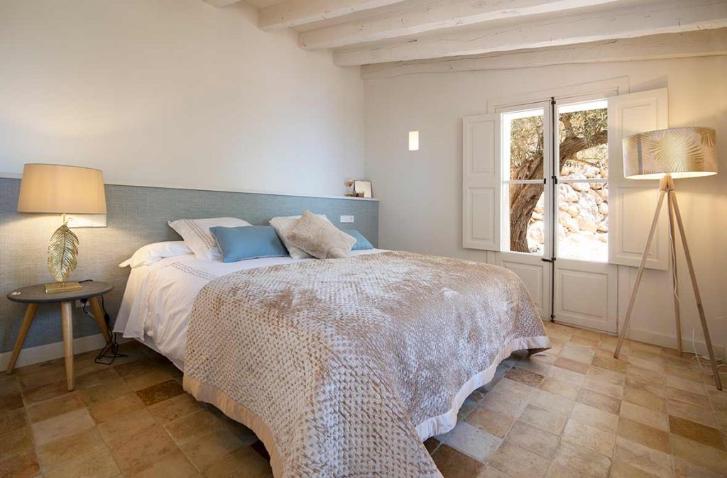 """ALT""architectural and interior design photographer in mallorca bedroom""."