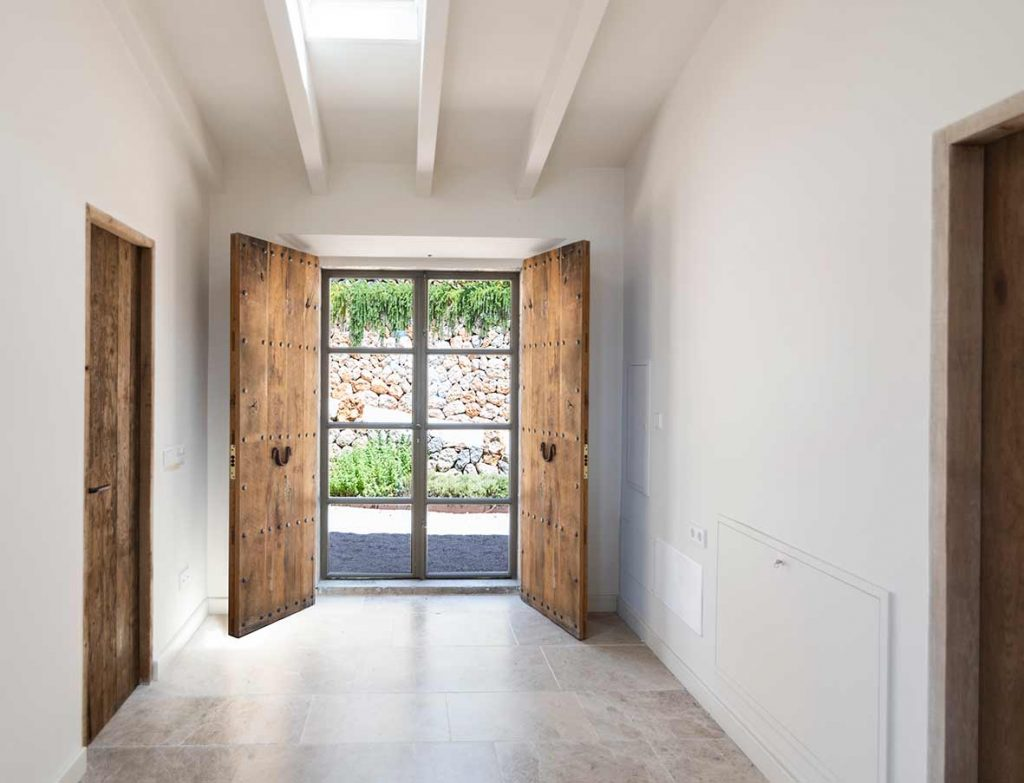 """ALT""architectural and interior design photographer in mallorca door""."