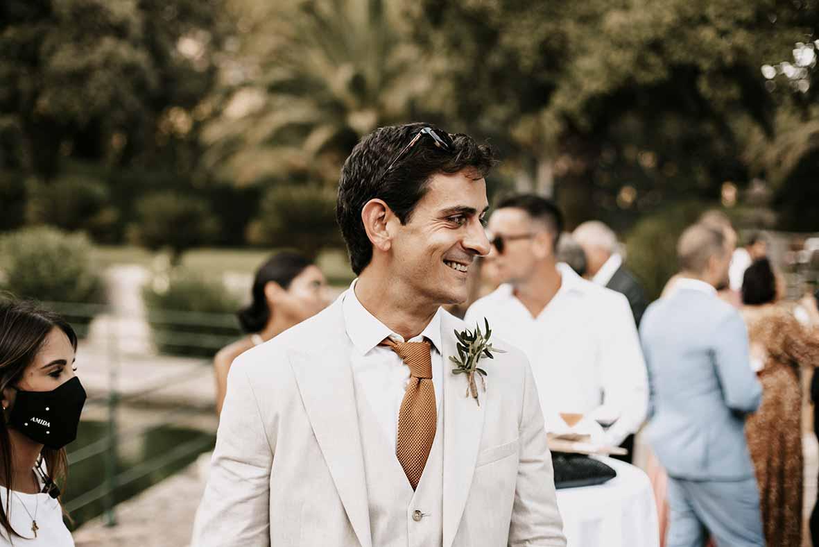 """""""ALT""""fotógrafo de boda finca comassema elegante novio"""""""