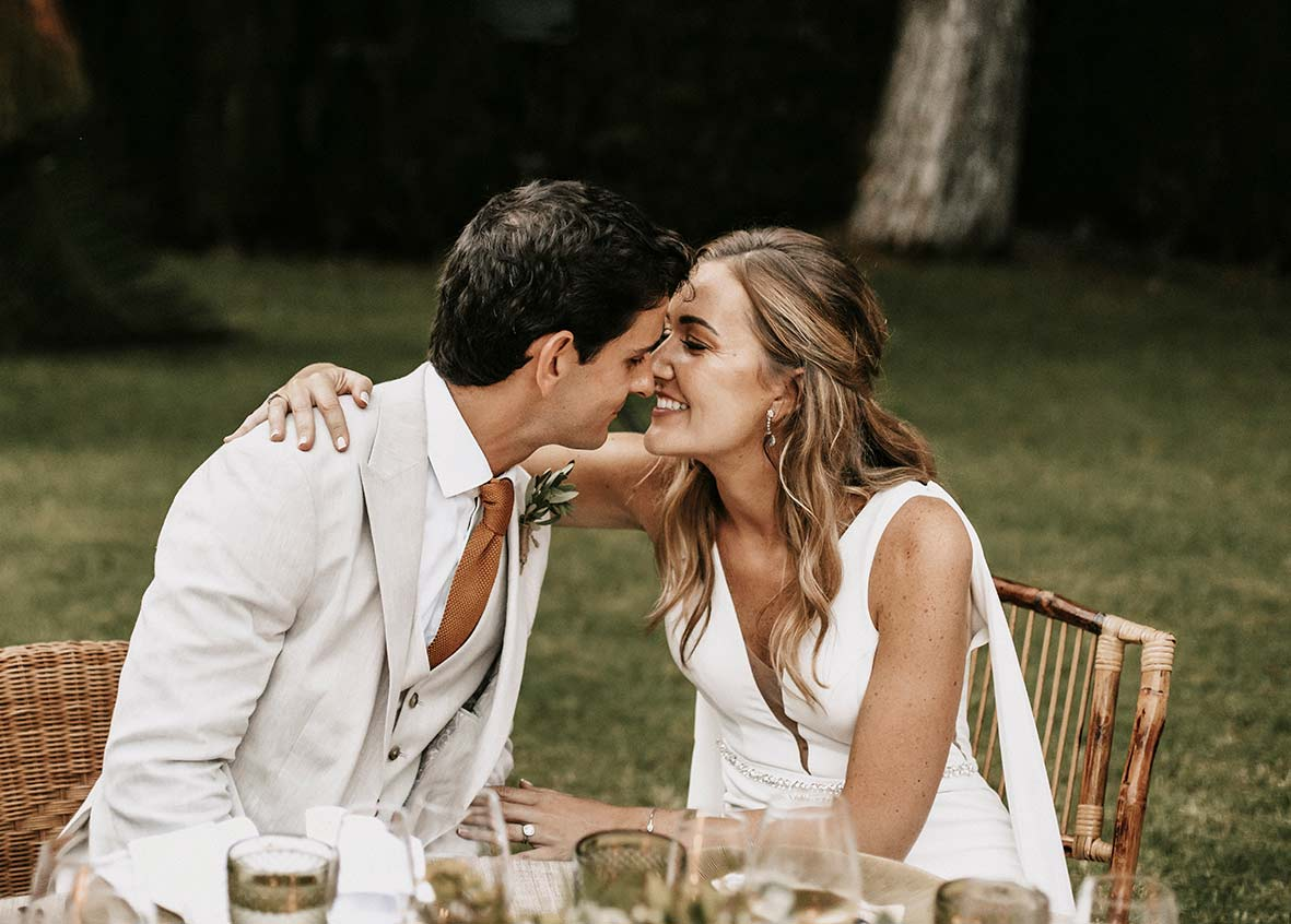 """ALT""fotógrafo de boda finca comassema beso ceremonia"""